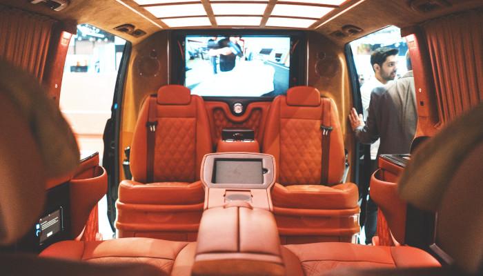 luxury_travel_car